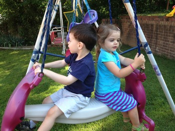 kids-at-swing-1185902_1920.jpg