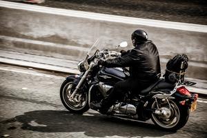 motorcycle-2268518_1920.jpg