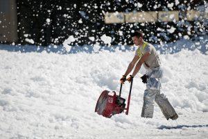 snow-thrower-951149_1920-300x200