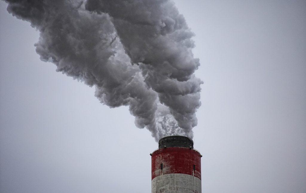 chimney-3705424_1920-1024x646