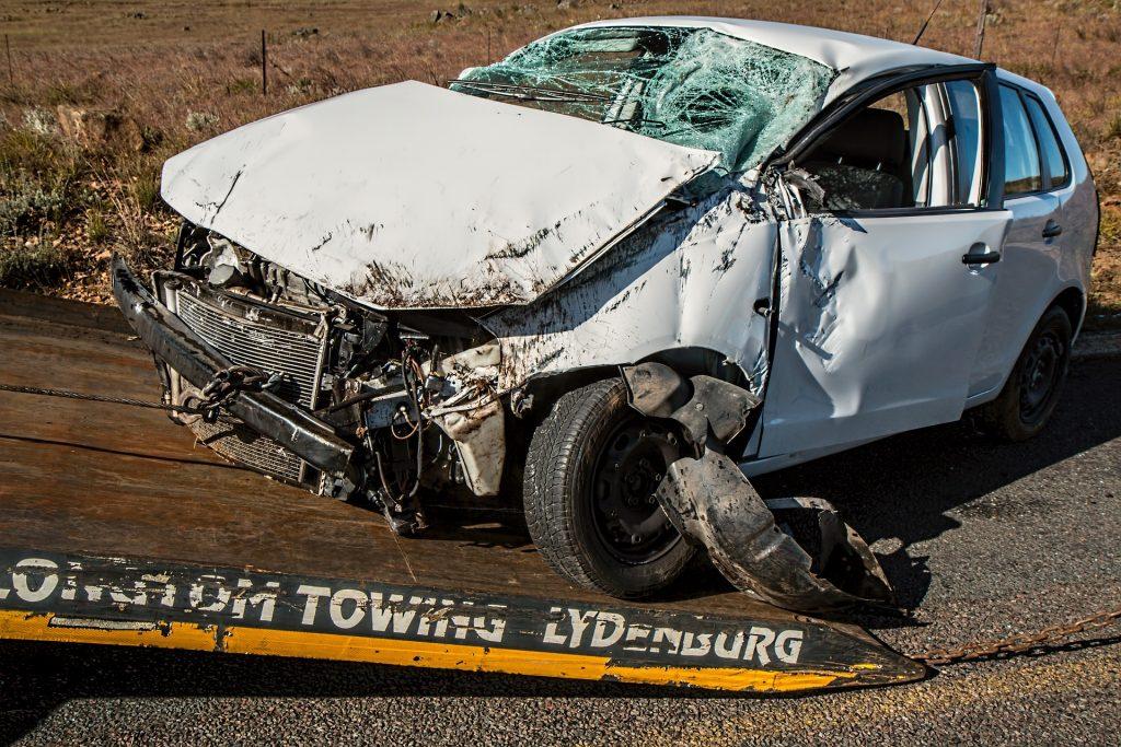 car-accident-1538175_1920-1024x683