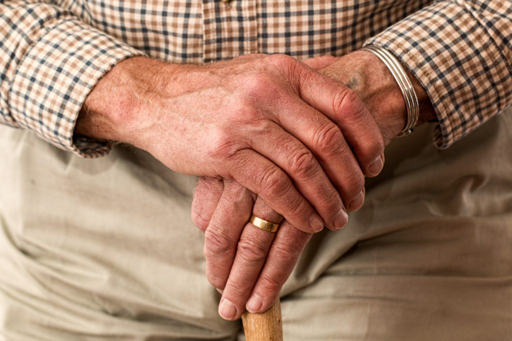 man-hands-waiting-senior-33786-1024x683