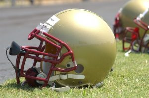 football-helmet-1401350_1920-300x197