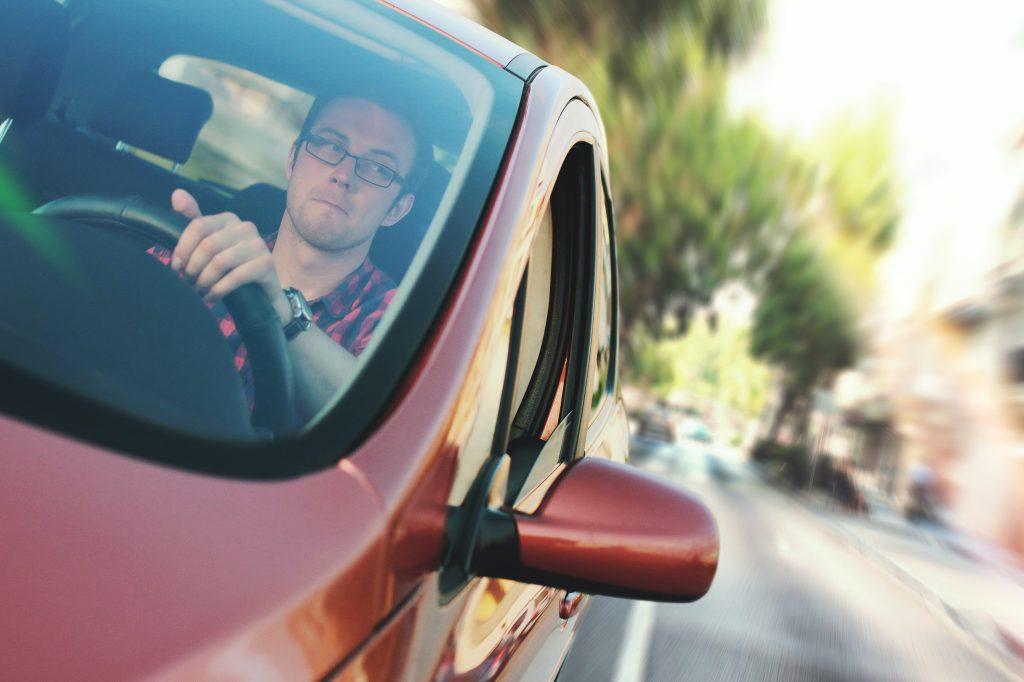 car-commuter-driver-driving-7433-1024x682