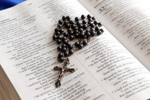 rosary-699609_1920-300x200